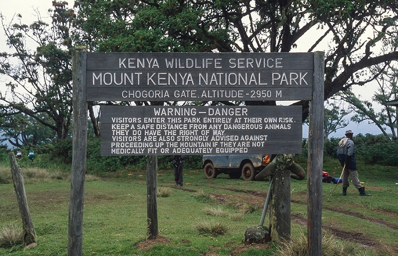 10 BEST SAFARI PARKS IN KENYA