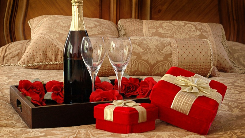 10 Gifts Do Not To Your He For Valentine's Day